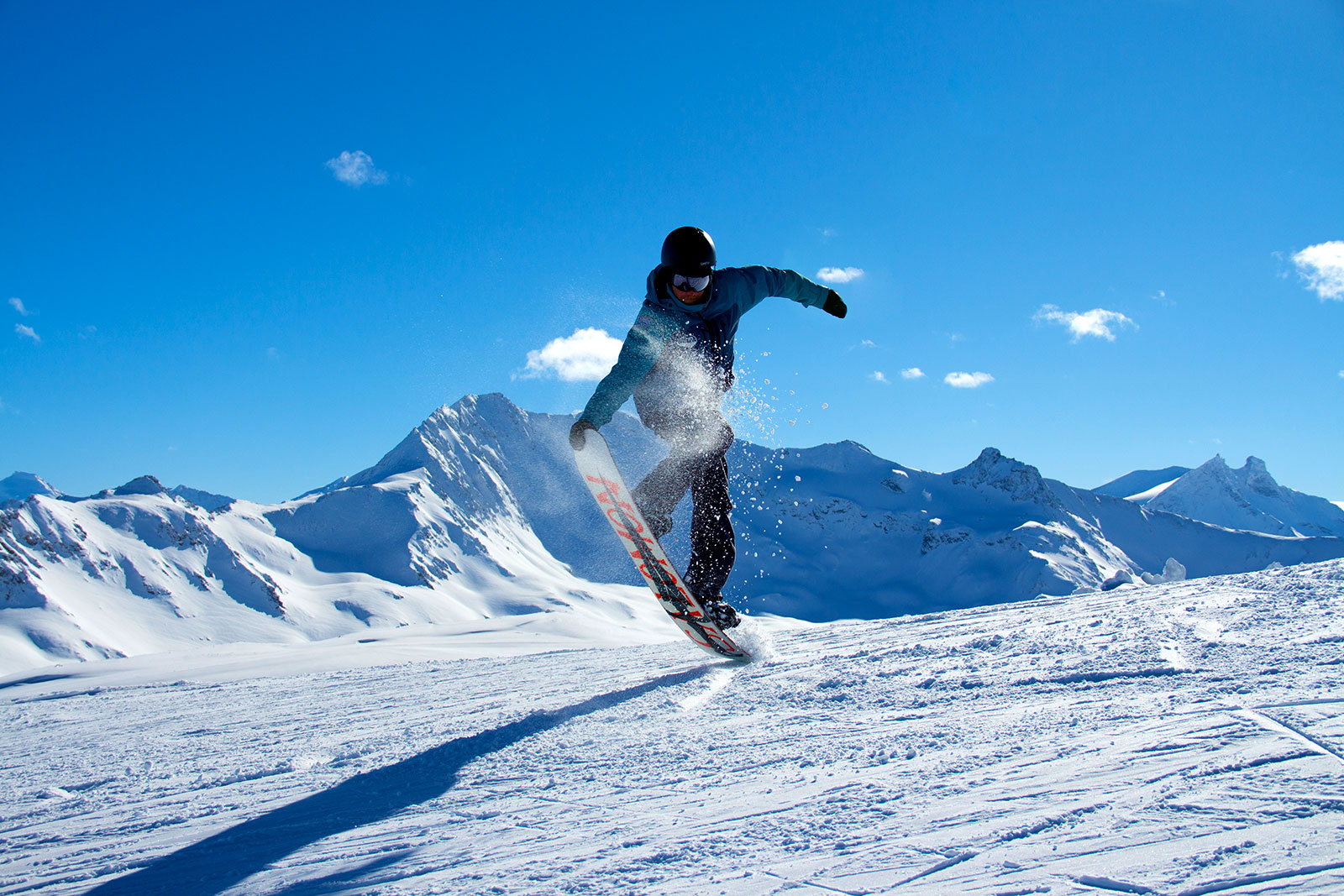 Snowboard Lessons - Val d'Isere - ULTIMATE SNOWSPORTS School