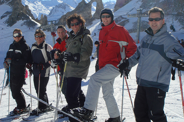 Ultimate_Snowsports_Adult_Group_Ski_Lessons_France