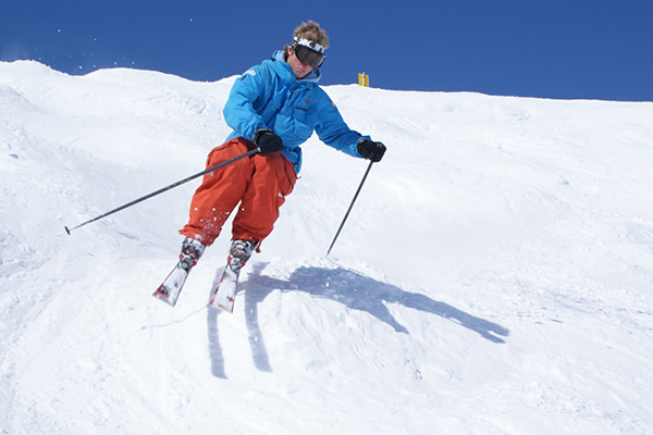 Ultimate_Snowsports_Bumps_Ski_Lessons_France
